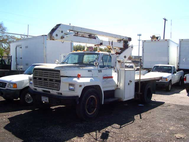 My 1981 Ford F-600 Bucket truck