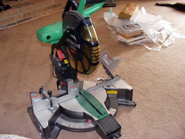 Hitachi 10 inch Compound Miter Saw