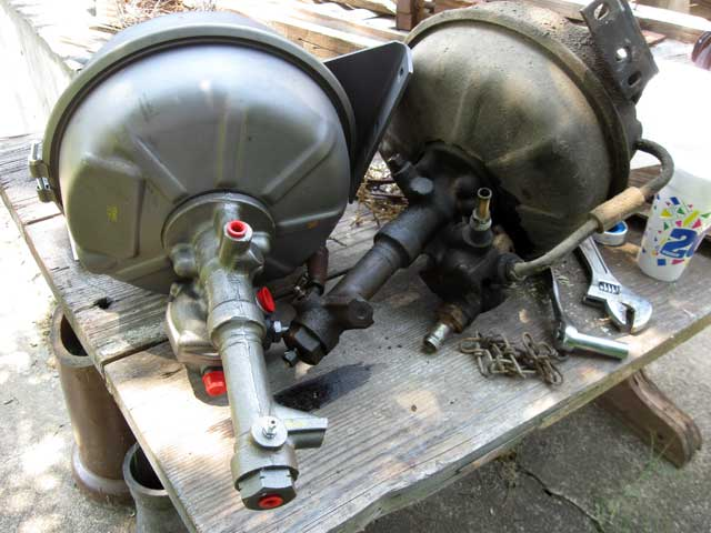 Hydro-vac brake booster for a Ford F-600