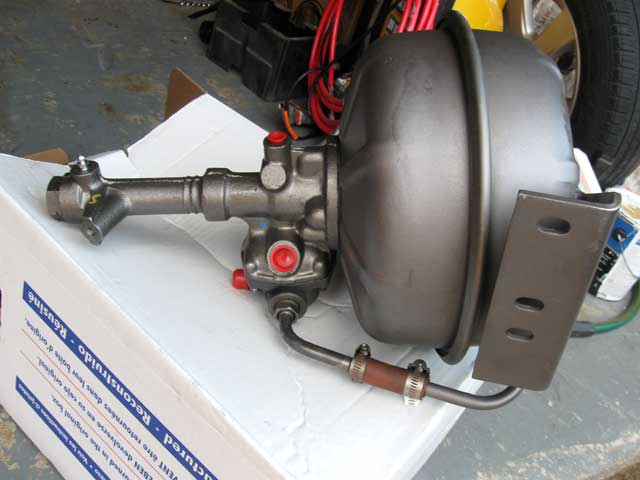 Vacuum brake booster for a 1981 f-600