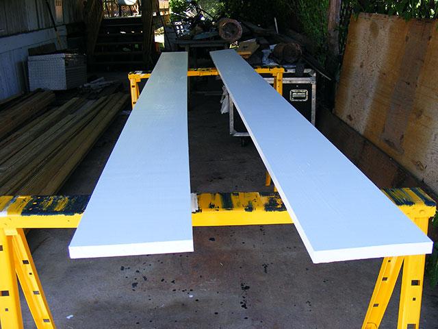 Box-beam trim.
