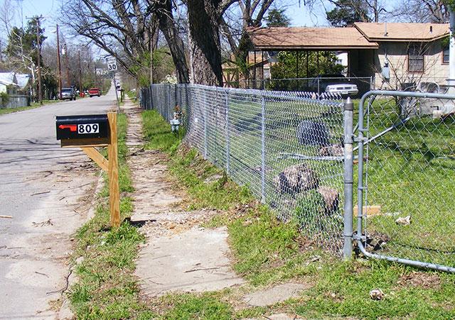 Fencing fenced.